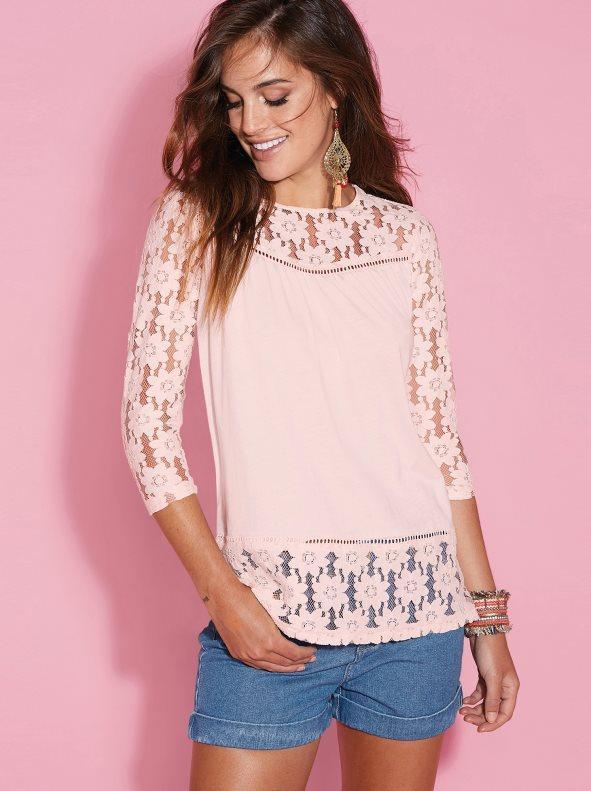 e35d267cefc Camiseta con encaje en canesú mangas y bajo rosa nude m. Venca