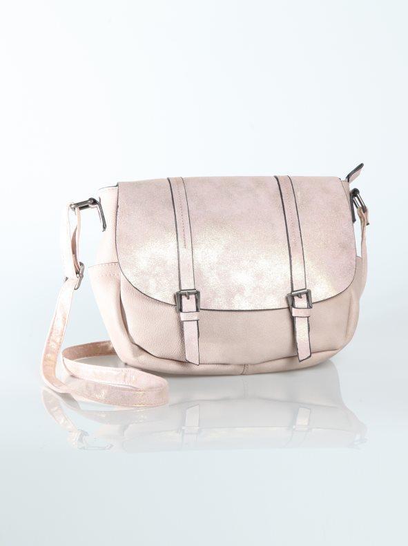 46cd1028b Bolso con solapa y correas de fantasía rosa