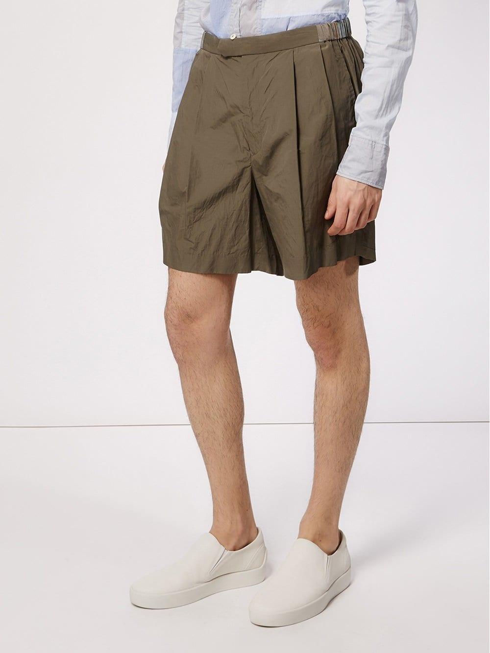 7dda96ff121b Shorts con detalle de pliegue - verde