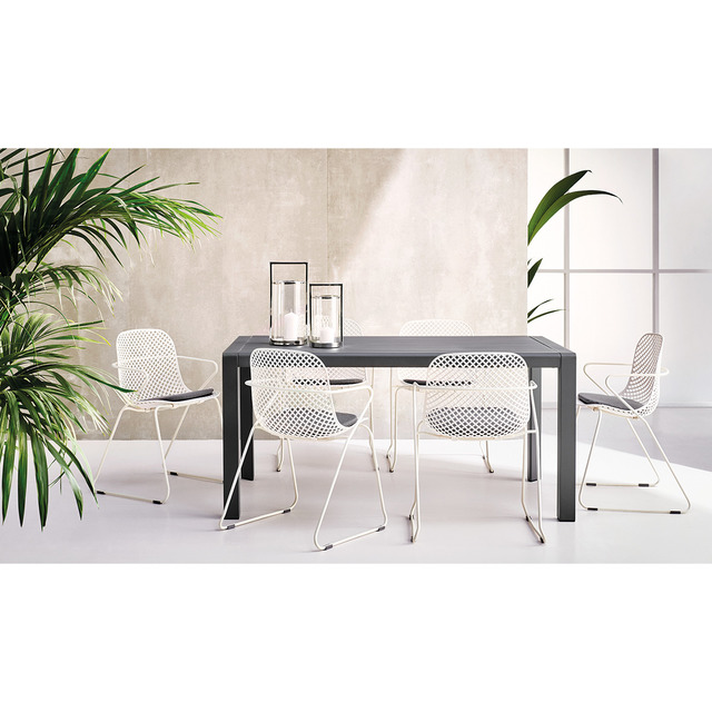 9748bd2b1bd1 Colección de comedor de jardín con mesa sonora y sillón ramatuelle...