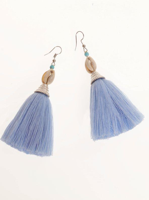 d8ebeddff50e Pendientes largos con borla y conchas azul. Venca