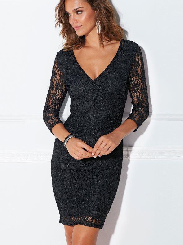 Vestido de encaje negro forrado