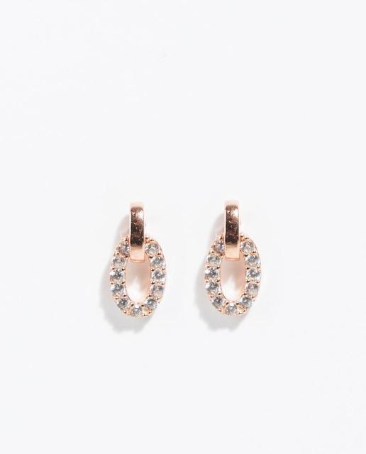 1378be56f105 Pendientes cortos de plata en dorado con circonitas. Parfois